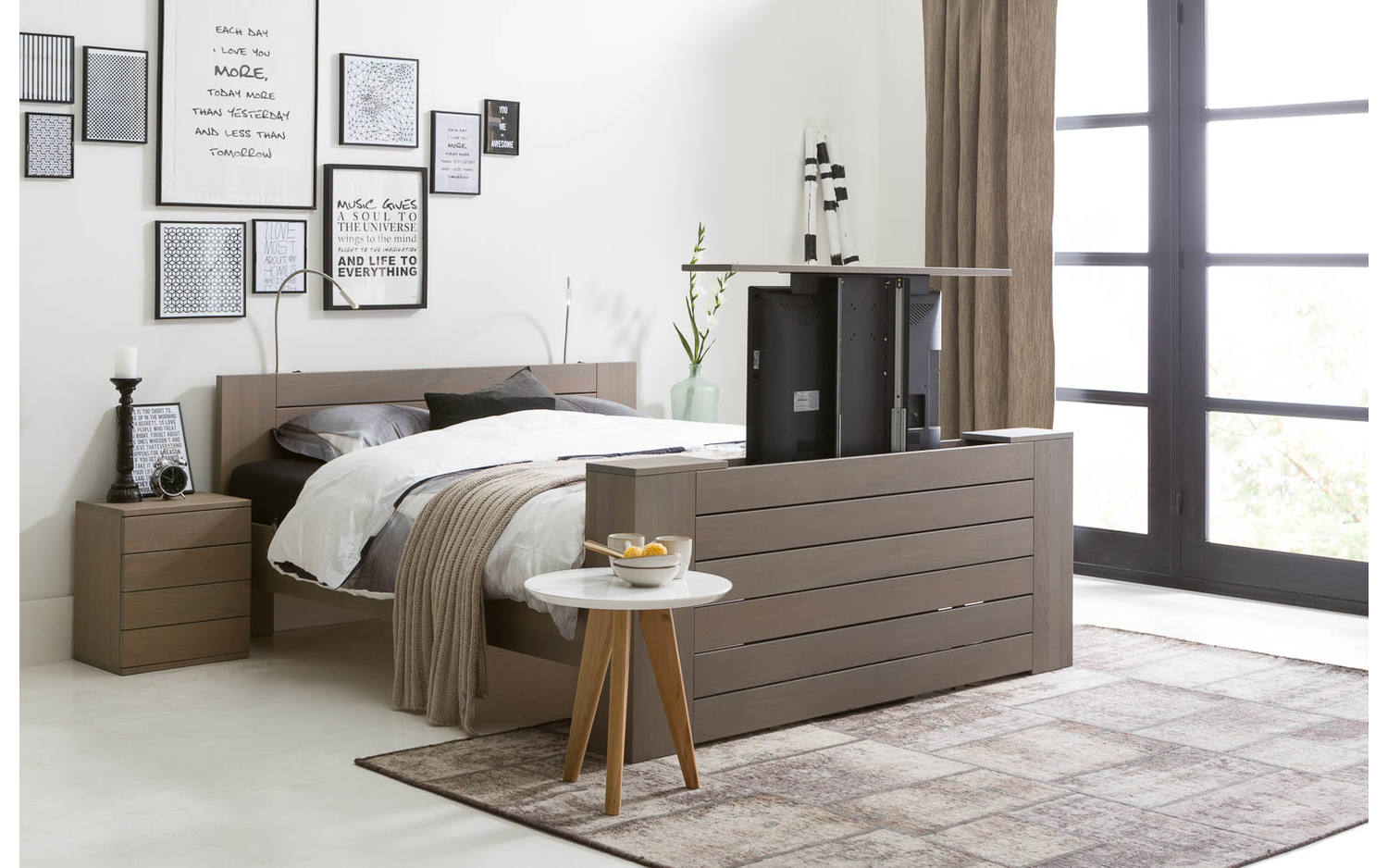 bettgestell aberson grau eiken kopen goossens. Black Bedroom Furniture Sets. Home Design Ideas