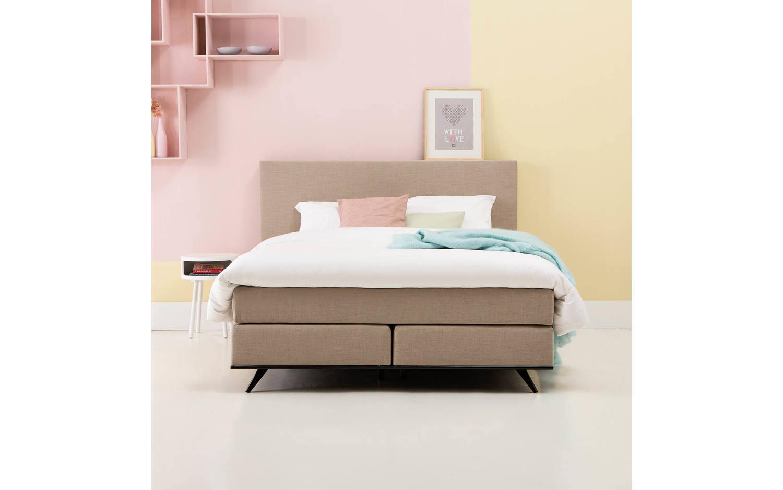 boxspring komplett oscar wei stoff kopen goossens. Black Bedroom Furniture Sets. Home Design Ideas
