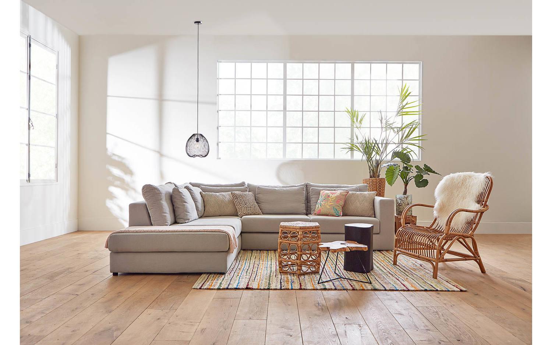 beistelltisch wavy unbearbeitet teak kopen goossens. Black Bedroom Furniture Sets. Home Design Ideas