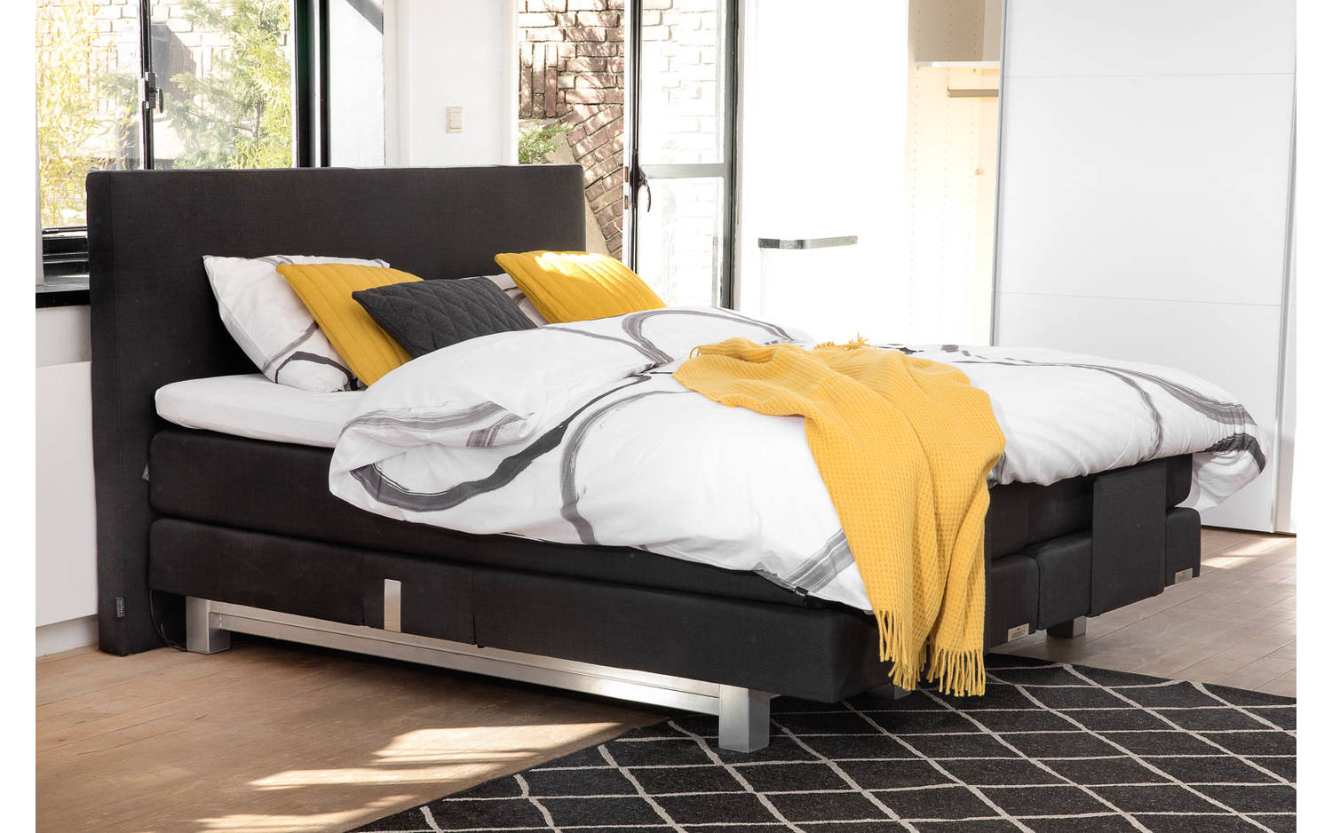 boxspring komplett caresse schwarz stoff kopen goossens. Black Bedroom Furniture Sets. Home Design Ideas
